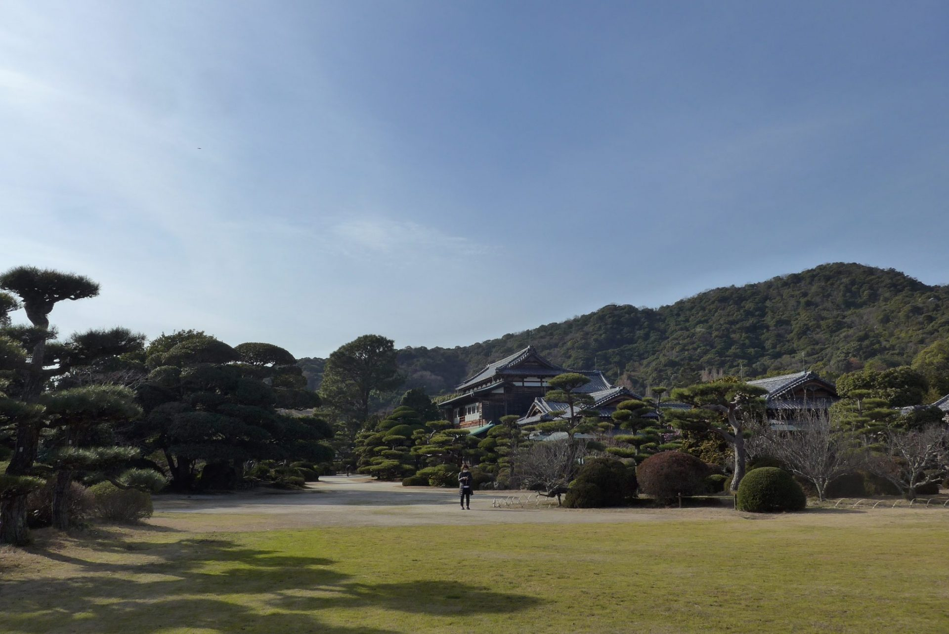(K)山口県防府市にある毛利氏庭園〜無料の駐車場が完備され便利