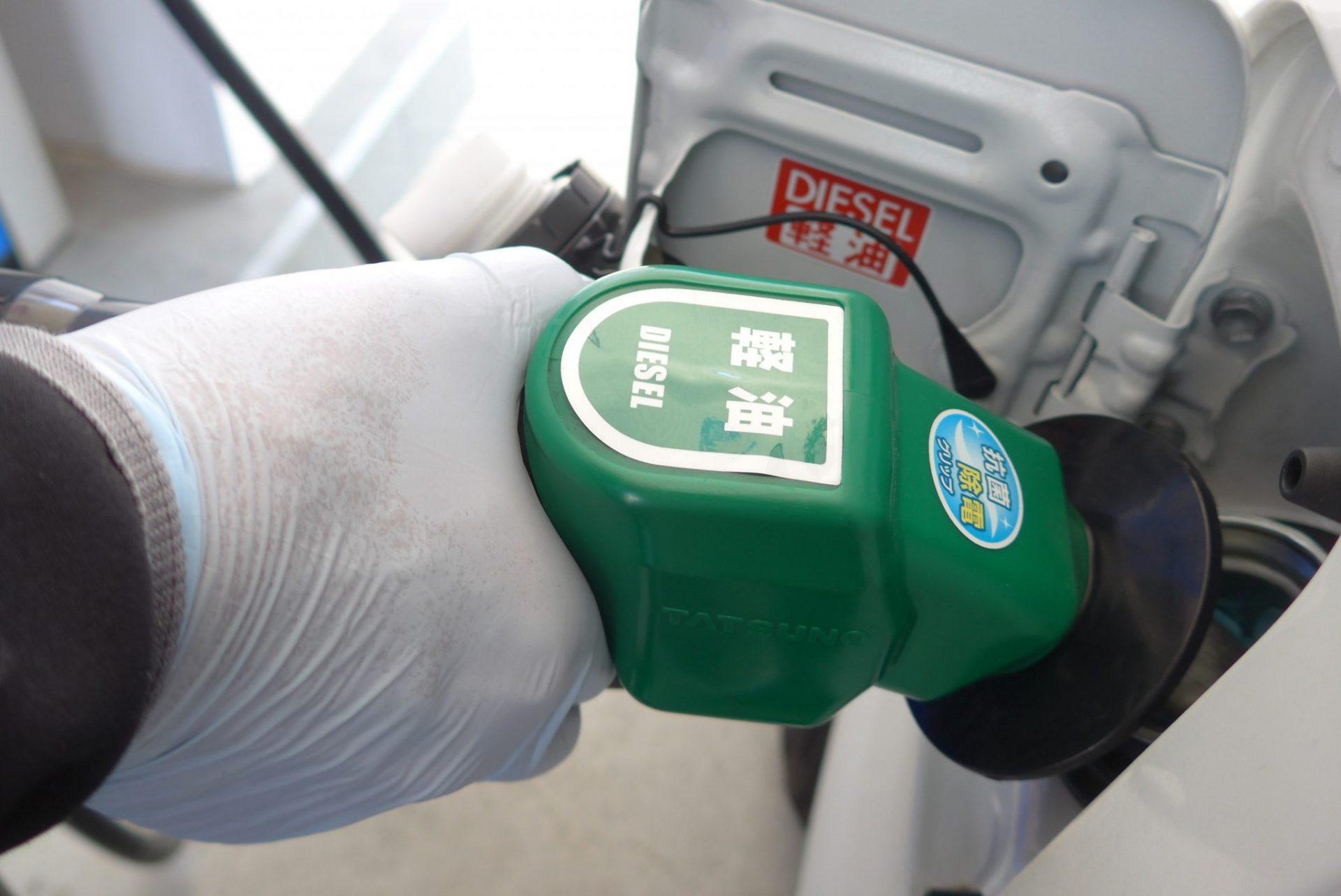 (K)新型コロナウイルス感染予防に使い捨て手袋!セルフスタンドで