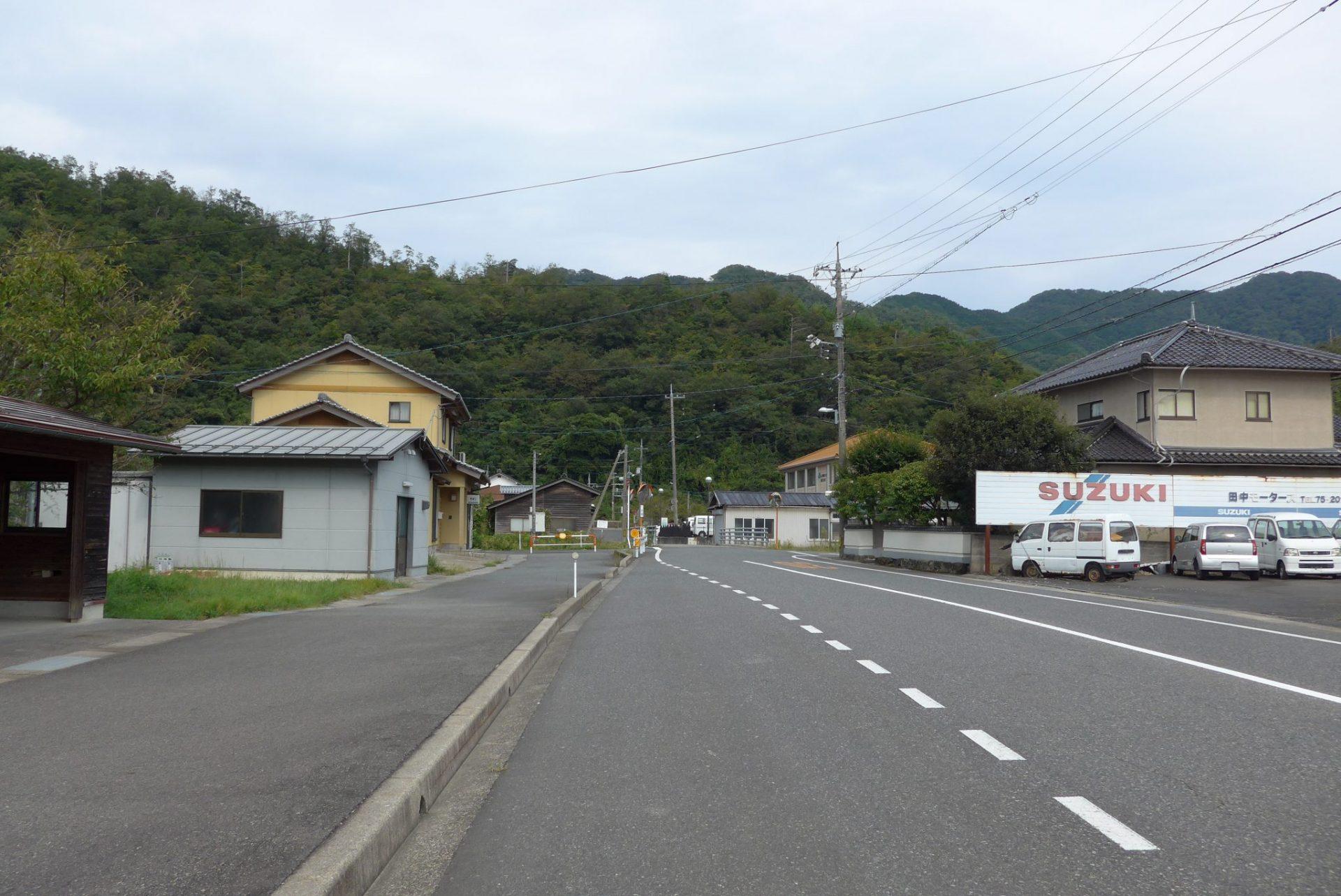 (K)鳥取市福部町にある『中の清水』は車横付けでらくらく給水!
