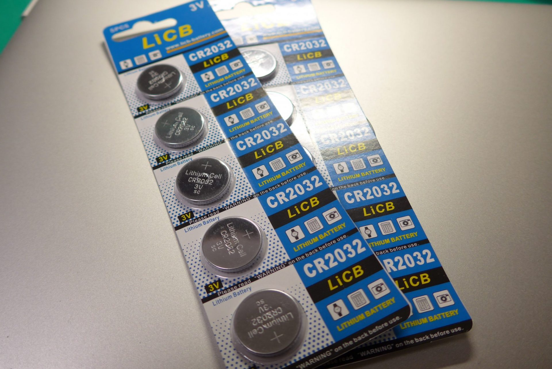 (K)CR2032電池を価格納得のアマゾンで!ユピテルリモコン用
